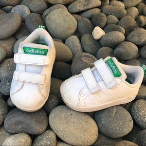 Adidas baby shoes white size 4